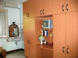 Arredamento e accessori di una camera da letto